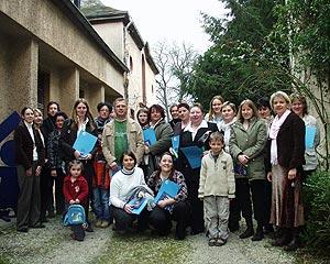 Gruppenfoto der zwanzig zertifizierten Tagespflege-Eltern