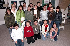 Gruppenbild der zwanzig Schülerinnen und Schüler.