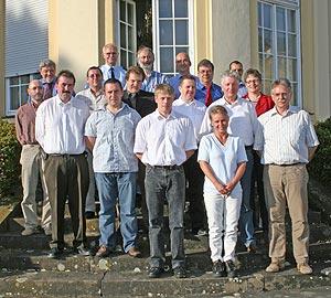 Landrätin Beate Läsch-Weber mit den zu Ehrenbeamten ernannten Leitenden Notärzten und Organisatorischen Leitern.