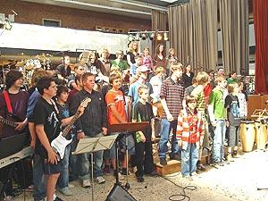 Die Teilnehmerinnen und Teilnehmer des zweiten Bandcamps im Cusanus-Gymnasium in Wittlich.
