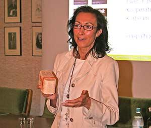 Marketingexpertin Hiltrud Zock während ihres Vortrags.