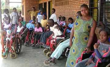 Kinder im Behinderten-Kinderheim Centre Inshuti Zacu.