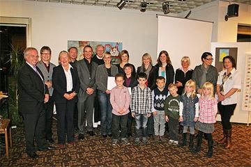 Die Preisträgerinnen und -träger des Kulturpreises 2008 gemeinsam mit der Jury.